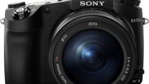 Sony RX10 Mark III 2